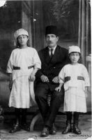 foto-ottoman-dede-kizlar-bonnet-nb-001
